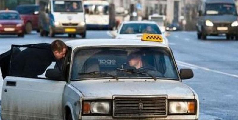 У нелегальных таксистов из Тимашевска конфисковали машины и выписали штраф